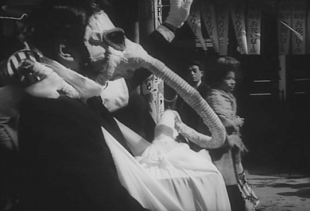 funeral parade of roses6