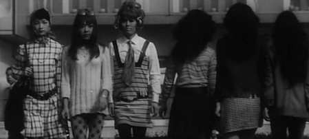 funeral parade of roses7